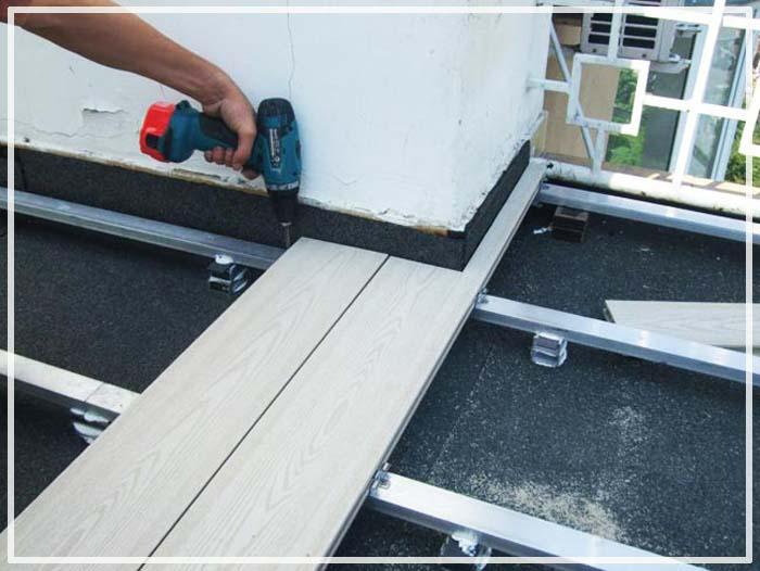 отделка балкона террасной доской