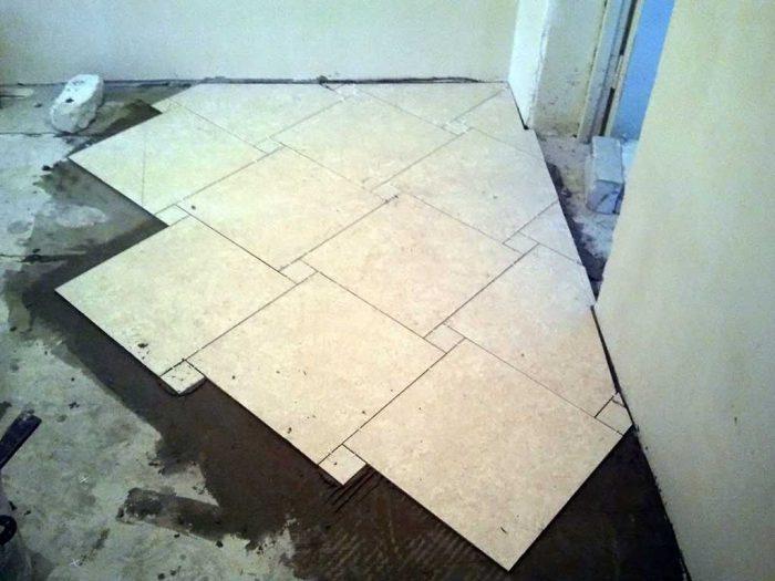 пример нестандартной укладки мраморной плитки