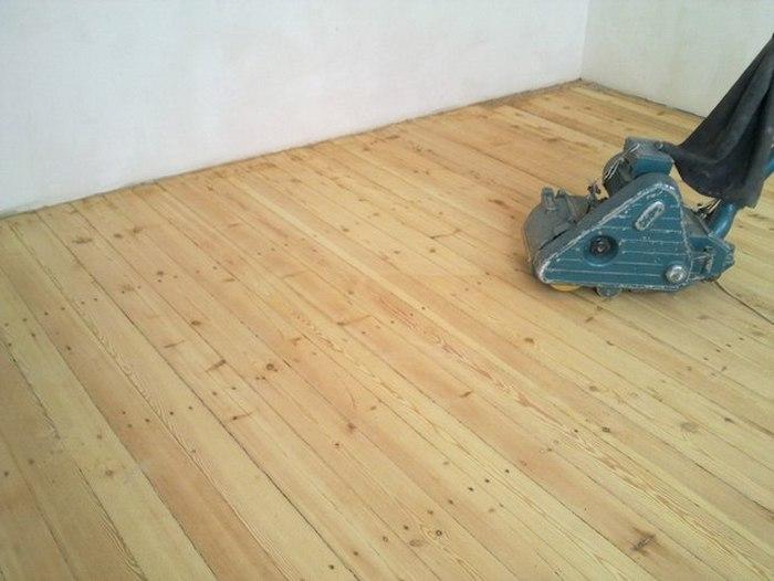 чем застелить деревянный пол в квартире