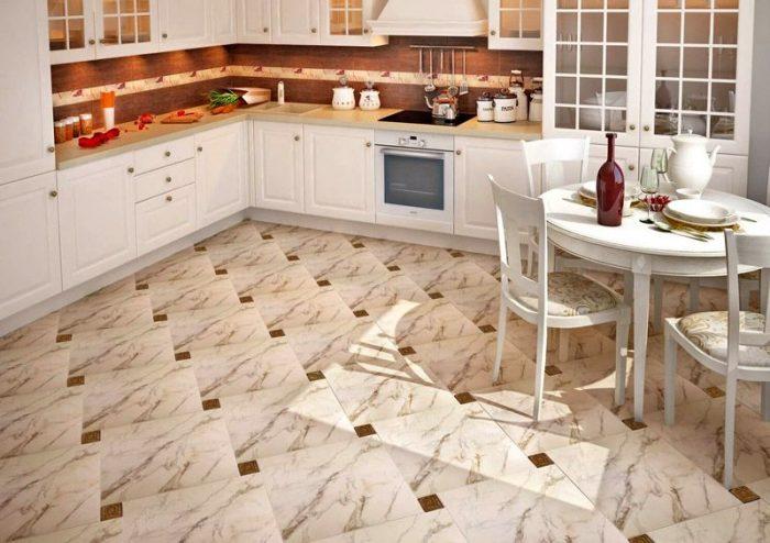 пример не дорогой плитки на кухню