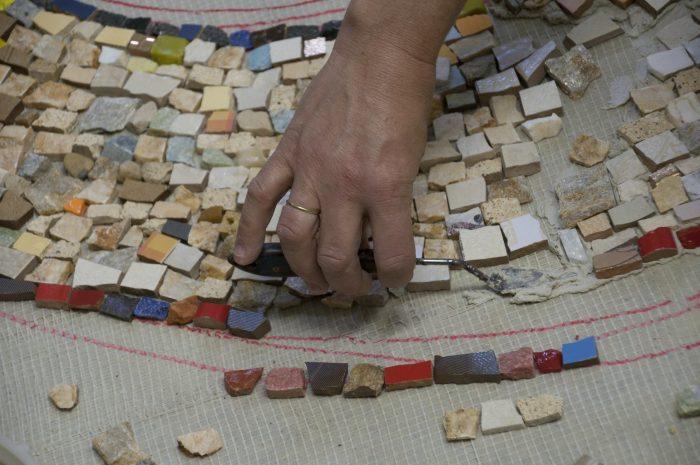 изготовление мозаичной плитки