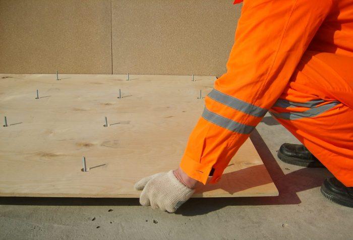 установка фанеры на бетонную стяжку