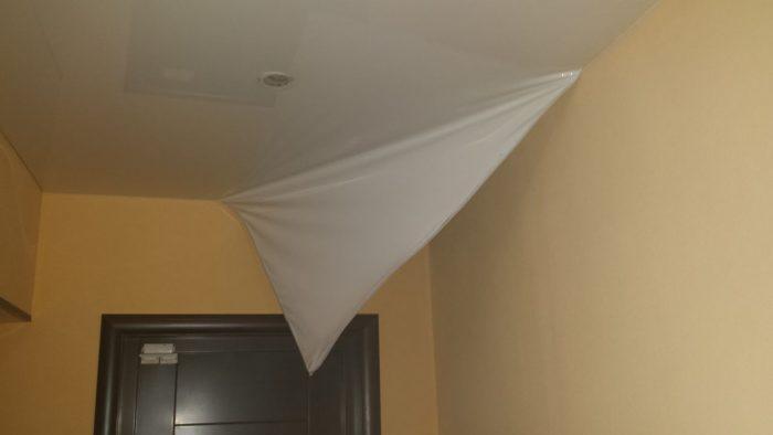 демонтаж натяжного тканевого потолка