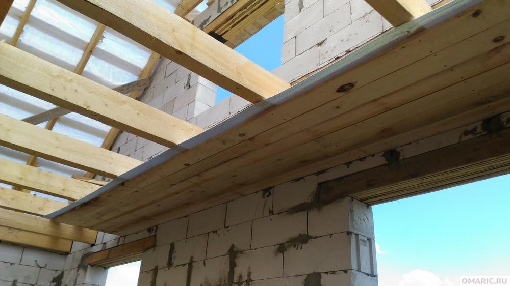 Делаем потолок по деревянным балкам