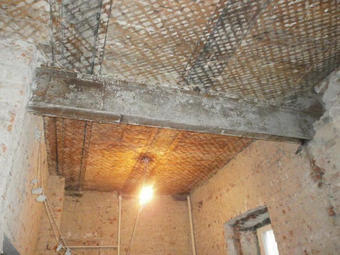 ремонт потолка в сталинке