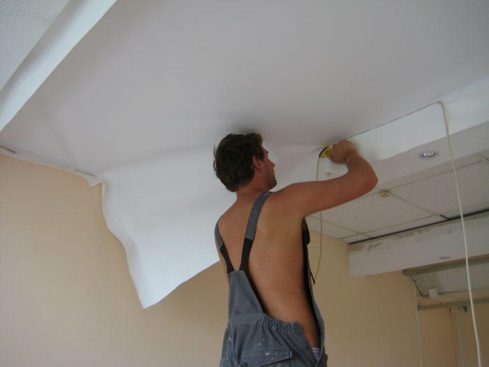 способы снятия потолка