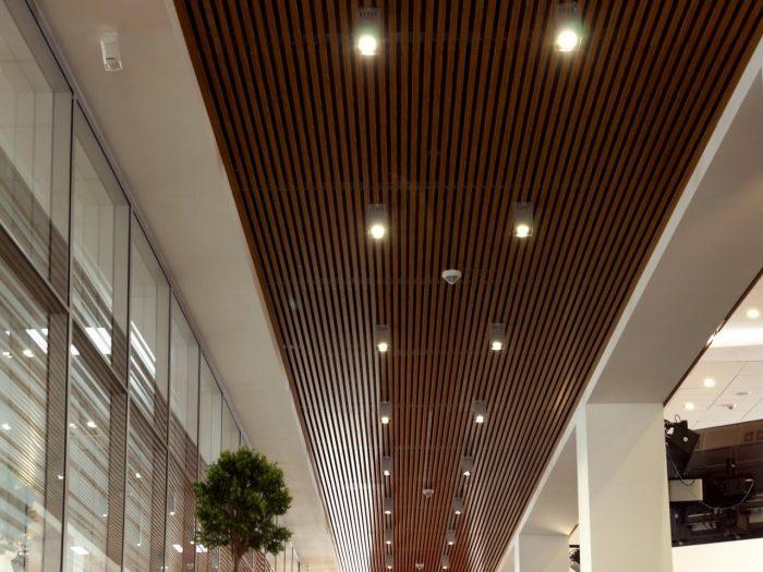 освещение для реечного потолка