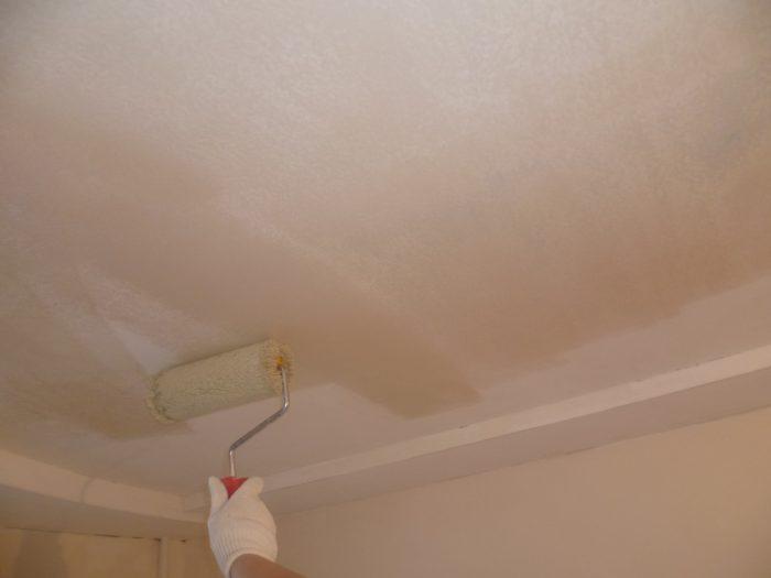 рунтовка потолка