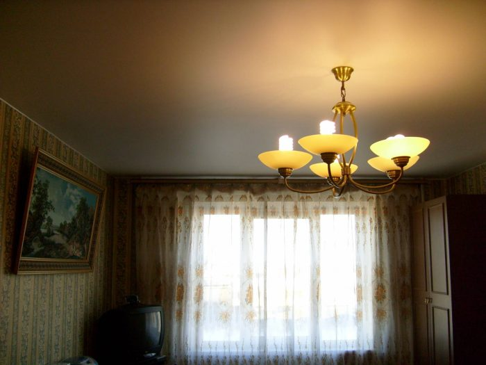 виды сатиновых потолков