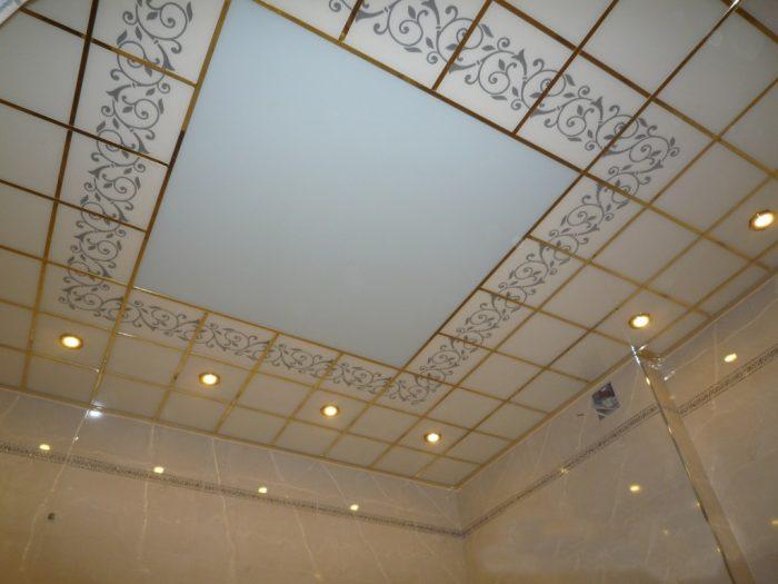 кафель на потолок в ванной