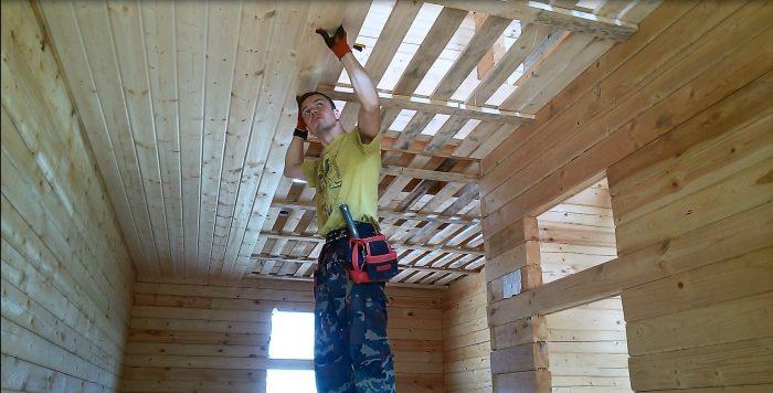 облицовка деревянного потолка