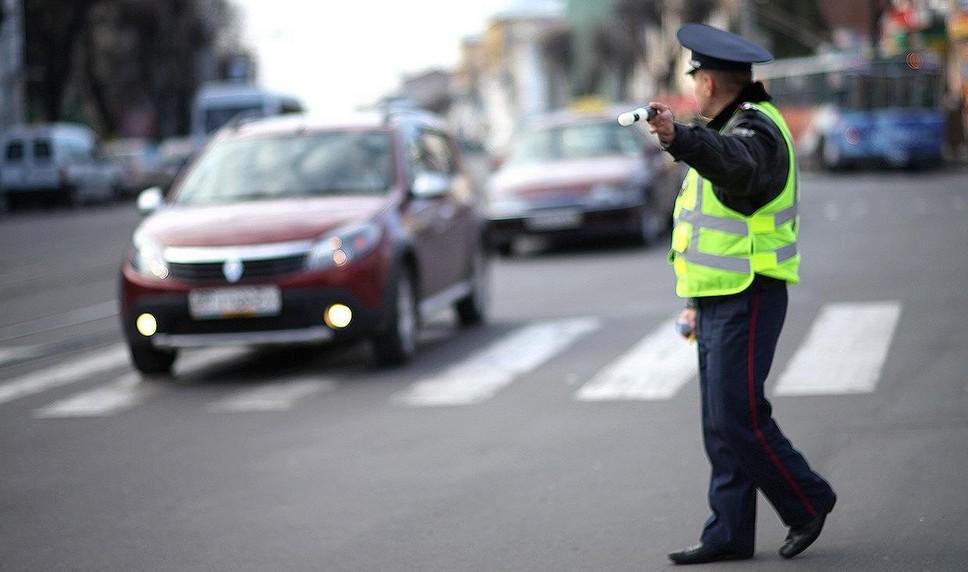 Имеют ли право гаишники останавливать на трассе