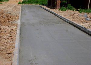 Выравнивание бетонной поверхности под тротуарную плитку