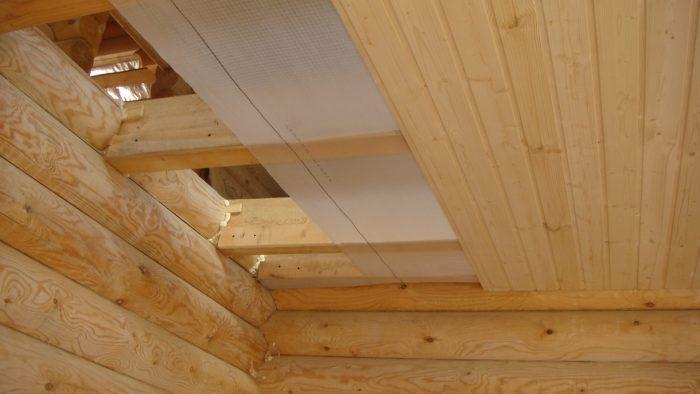 пароизоляция деревянного потолка