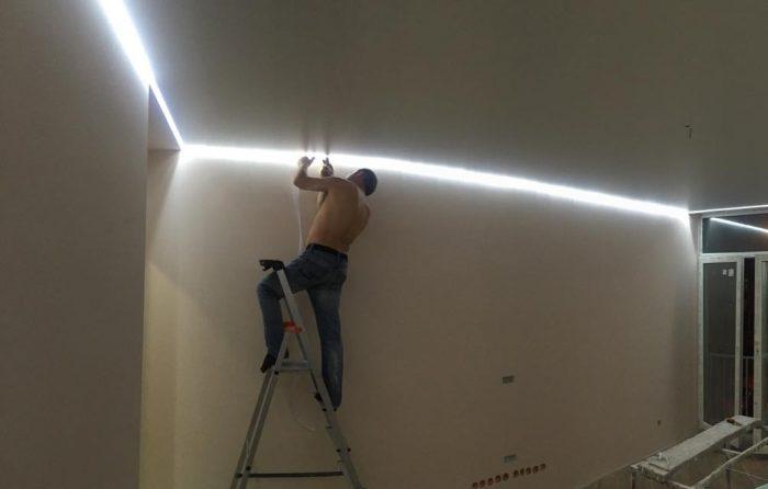 монтаж парящего потолка