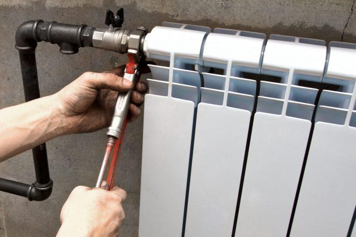 Замена батареи отопления собственником