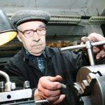 Как работающему пенсионеру получить индексацию