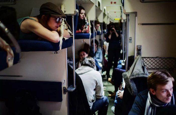 Плюсы верхней полки в поездах