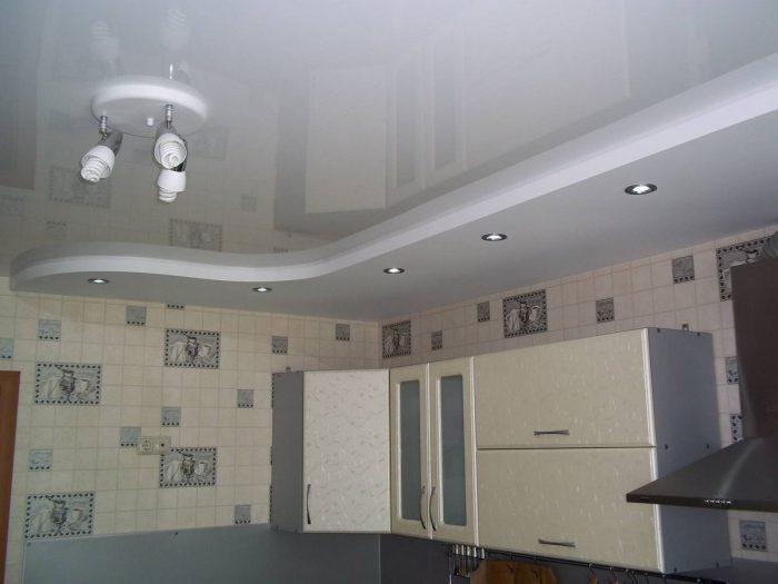 потолки из гипсокартона на кухню
