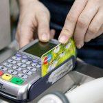 Как не лишиться денег при оплате банковской картой