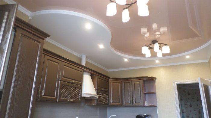 фигурные потолки на кухню