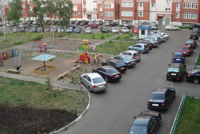 Когда за парковку у своего дома грозит штраф