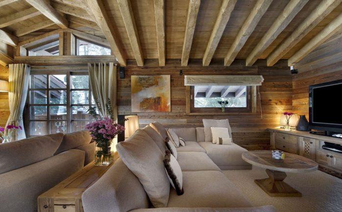 потолок в стиле шале