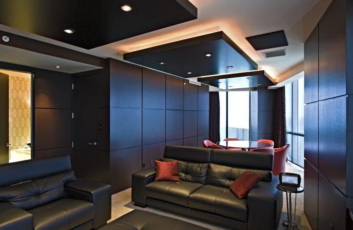 оформление потолка в стиле модерн