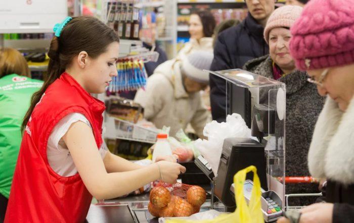 Как кассиры в магазинах обманывают покупателей