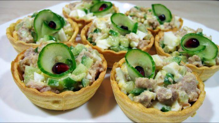 Вкусный печеночный салат в тарталетках