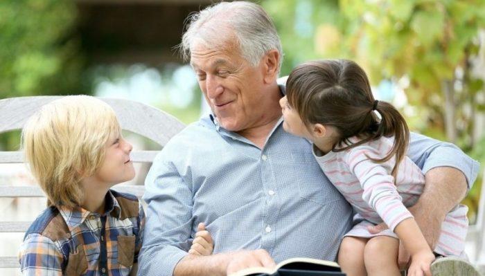 Доплаты для пенсионеров за внуков