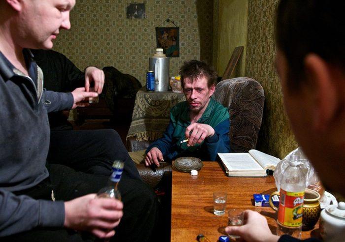Когда пьющего родственника можно выселить из квартиры