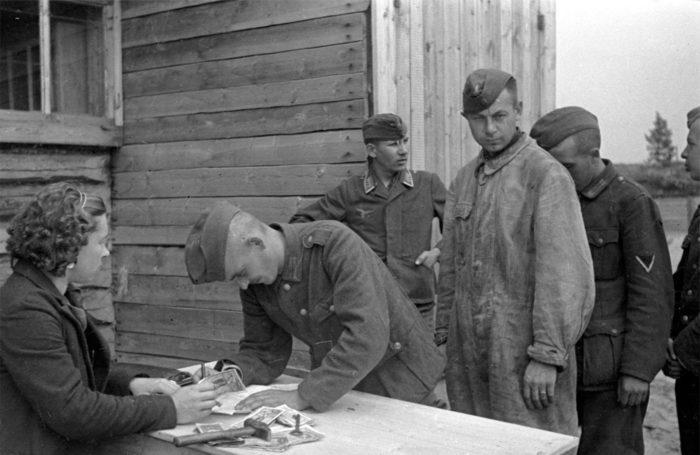Зарплаты в Советском Союзе в пересчете на сегодня
