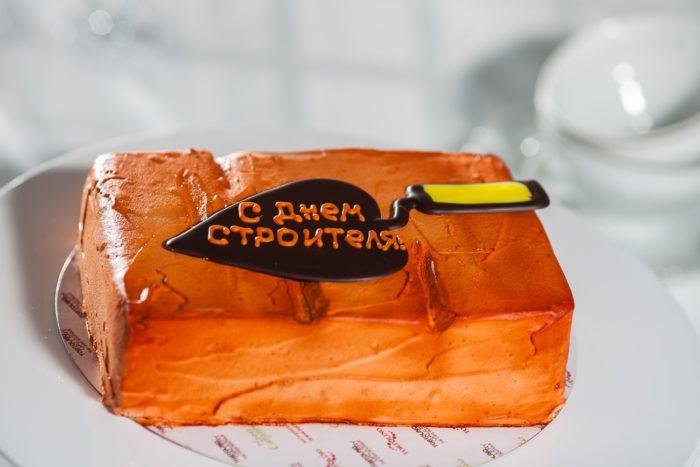 поздравления с днем строителя торт