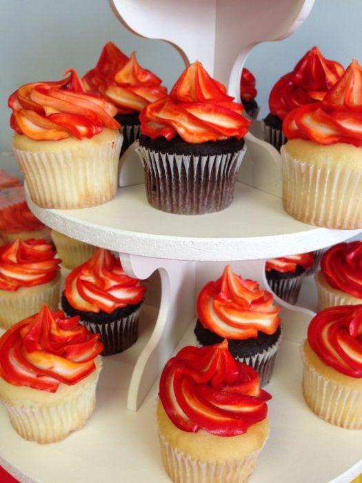 Пирожные на День пожарной охраны