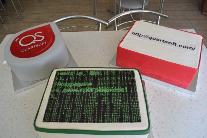 как украсить торт для программиста