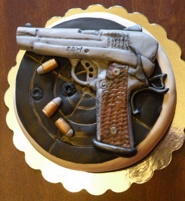 торт на день оружейника