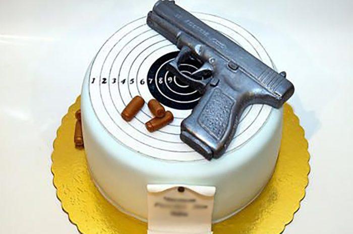 день оружейника торт