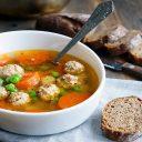 Несколько вкусных копеечных супов времен СССР, которые помогут экономить сегодня