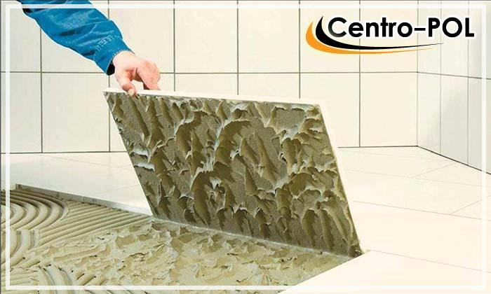 Для крупногабаритной плитки рекомендуется использовать толстослойный клей