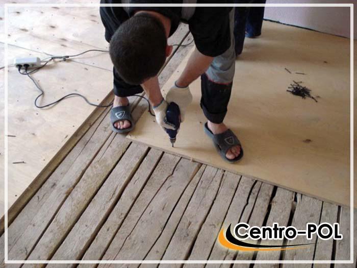как выровнять деревянный пол в частном доме