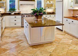 пол на кухне плитка или ламинат