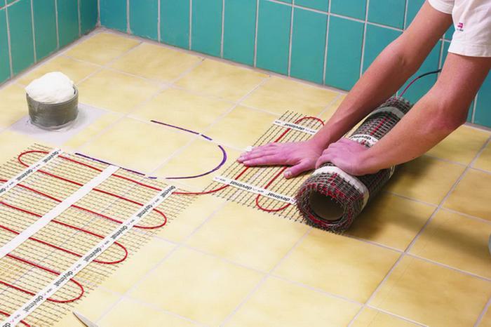теплый пол в ванной своими руками видео