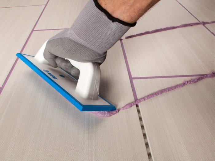 Как затирать швы на плитке на полу: виды затирок и чем лучше фуговать