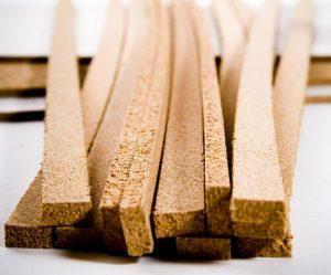 чем заделать стык между плиткой и ламинатом