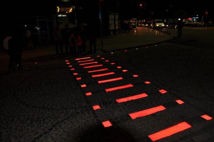 светящаяся тротуарная плитка
