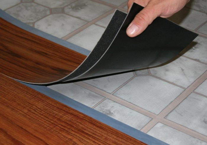 процесс монтажа плитки